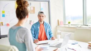 Empreendedores discutem a venda de produtos no modelo de assinatura recorrente